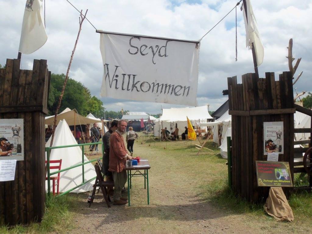 Eingang zum Mittelalterlichen Marktgetümmel Ahlhorn